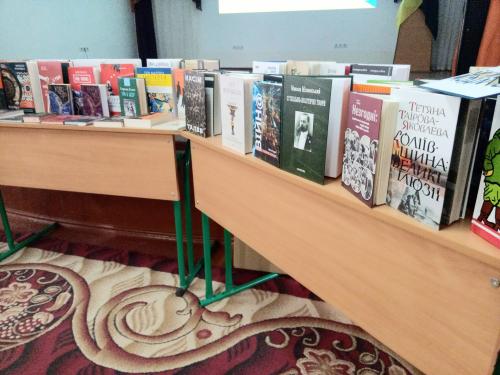 Понад 700 книжок для курсантів: Прикарпатський військово-спортивний ліцей-інтернат взяв участь у проєкті «Бібліотека Сержанта», за підтримки УКФ та «Наш Формат»